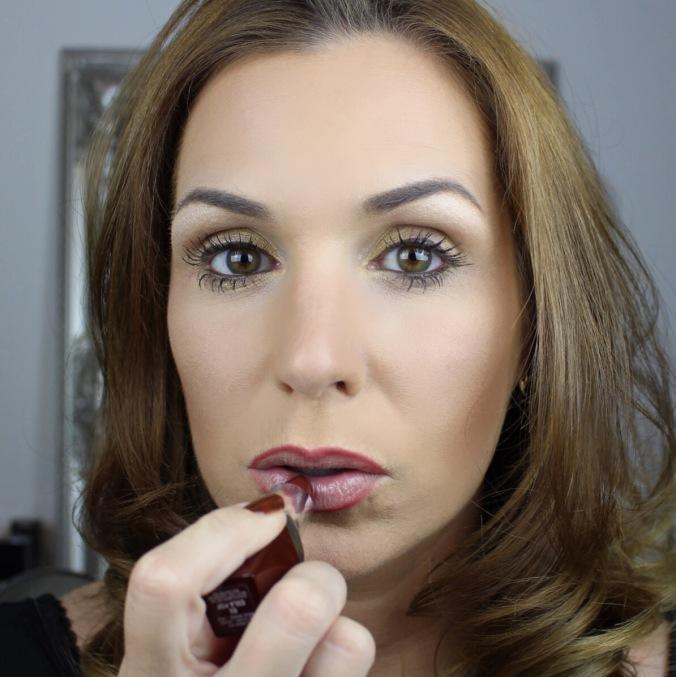 Lippenstift-Auftragen