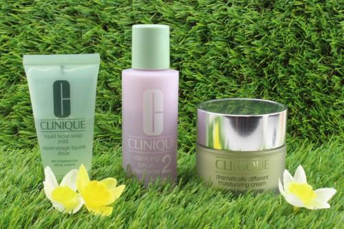 CLINIQUE - Dramatically Different Moisturizing Cream