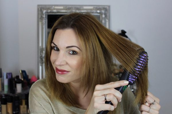 Dafni – Hair Straightening Ceramic Brush