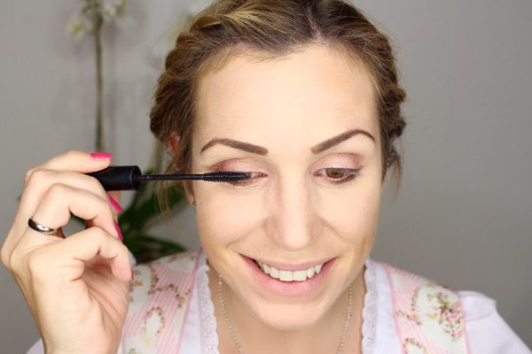 mascara-auftragen-wiesen-look